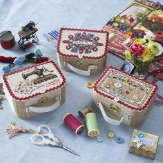 Make a mini sewing box ... photo inspiration only... Lin : 3 petites valises à broder au point de croix