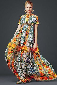 dolce and gabbana dress modest printed maxi dress with sleeves colorful stylish beautiful fashion Mode-sty