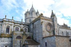 Évora | 19 Places You Can't Miss in Portugal | The best cities, beaches, islands and towns to visit in the beautiful country of Portugal,