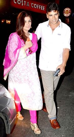 Akshay Kumar and Twinkle Khanna celebrate Karva Chauth. Indian Attire, Indian Wear, Indian Outfits, Suit Fashion, Daily Fashion, Akshay Kumar And Twinkle, Twinkle Khanna, Men Dress Up, Bollywood Stars