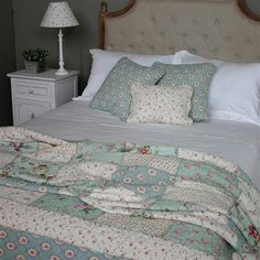 Lots of Living Patchwork 180x250cm Quilted Bedspread, Multi