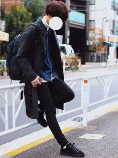 アウターonアウターコーデ🍥 コートの下にデニムジャケット着ました◎ お気に入りコーデです🐧💪 My Boys, That Look, Normcore, Menswear, Poses, Mens Fashion, How To Wear, Jackets, Outfits