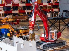 RC Truck Event Jona Switzerland - 2018 . . . #rctruck #rcmodeltruck #scale #swiss_rc_instagramer #funktionsmodellbaupin #funktionsmodellbau #swissrc #swissrcchannel #scalerc #scalerctruck #rcporn #rcscaletruck #modellbauer #rcmodellbau #constructionmachinery #modelltruck #komatsu #excavator #rckomatsu