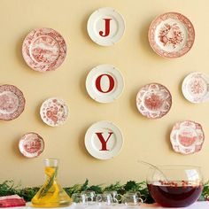Repurpose vintage or colorful kitchen supplies for holiday and Christmas decorations! We have galleries of inspiring ideas to use decorative Christmas plates on your wall, or upcycle that vintage colander to make a table centerpiece filled with holly.