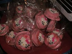 hello kitty oreos | Hello Kitty Chocolate Covered Oreos ∙ Creation by cupcake gangster ...
