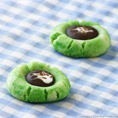 Chocolate Filled Pandan Thumbprint Cookies :: Single Junior Mints as Thumbprint Filling for St. Patrick's Day?