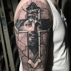 Jesus namet Jesus Tattoo, Harry Tattoos, Tattoos For Guys, Lion Tattoo Sleeves, Sleeve Tattoos, Badass Tattoos, Body Art Tattoos, Christus Tattoo, Western Tattoos