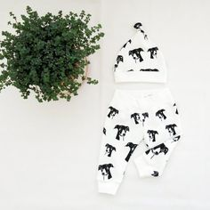 Baby Clothes For Greyhound Dog Lover Baby Hat And Leggings Baby Shower Gift For Dog Owner Baby Coming Home Outfit Unisex Baby Clothing Baby Hat And Mittens, Baby Hats, Organic Baby Clothes, Unisex Baby Clothes, Baby Coming Home Outfit, Baby Leggings, Baby Prints, Cool Baby Stuff, Baby Wearing