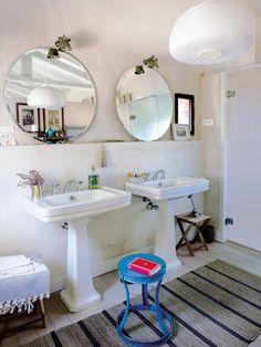Campo magnético: Una casa en la finca Bath For Two, Home Greenhouse, Spanish Style Homes, Spanish House, Small Rooms, Small Spaces, Bathroom Renovations, Small Bathroom, Master Bathroom
