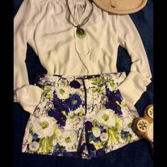SALE! Today! ZARA woman shorts size XS floral Fabulous ZARA shorts, excellent condition Zara Shorts