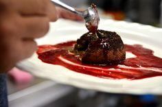 Cât costă un desert fiţă? Răspunsul o să vă uimească! Costa, Steak, Good Food, Lose Weight, Food And Drink, Pudding, Sweets, Beef, Cake