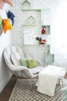 Decora Rosenbaum Temporada 3 - Quarto de bebê. Papel de parede bichos, composição de nichos. Foto: Felipe Felco Valle