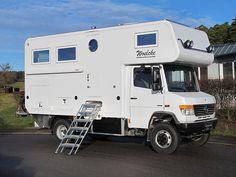 Mercedes Vario 818 CDI - 4x4 - 6300 - 2012 Mercedes Camper, Mercedes Vario, Small Truck Camper, Diy Camper, Cool Campers, Rv Campers, Outback Campers, Big Van, Motorhome Interior