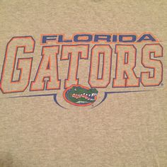 Show your school spirit with this great Florida Gators t-shirt!  Sizing Underarm to underarm-18.5 Top to bottom-25.5 Size-fits like a small If you have any questions about this item, feel free to contact our shop. RetroFreshTees  If you like this item, check out the rest of my shop: www.etsy.com/ca/shop/retrofreshtees  facebook.com/retrofreshtees pinterest.com/retrofreshtees  Follow us on Twitter: @retro_fresh_tee Follow us on Instagram: retro_fresh_tees