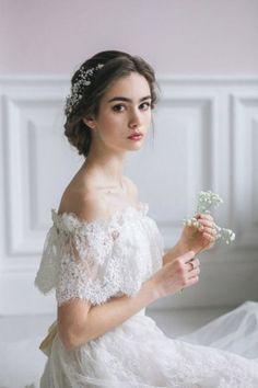 Bridal Dresses, Wedding Gowns, Flower Girl Dresses, Wedding Hair And Makeup, Bridal Hair, Bild Girls, Girl Photography Poses, Wedding Photography, Wedding Make Up