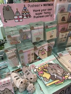 Missed out on the Pusheen x ARTBOX event at MCM London Comic Con? Check out our recap with lots of cute photos from the shop and garden cafe! Chat Pusheen, Pusheen Love, Pusheen Stuff, Pusheen Birthday, Cat Birthday, School Supplies, Party Supplies, Cat Party, Diy Arts And Crafts