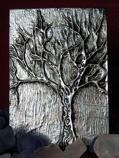 "Outstanding ""metal tree art projects"" info is offered on our site.Receive excellent tips on ""metal tree artwork"".>>Read more about metal tree guards. Click the link for more The web presence is worth checking out. Tin Foil Art, Aluminum Foil Art, Aluminum Crafts, Pewter Art, Pewter Metal, Metal Tree Wall Art, Metal Art, Feuille Aluminium Art, Hot Glue Art"