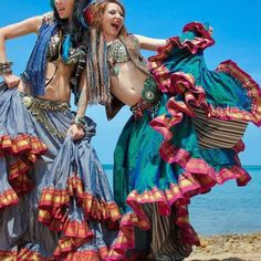 Belly Dancing Classes In Houston Tribal Fusion, Tribal Mode, Danza Tribal, Tribal Belly Dance, Boho Gypsy, Bohemian Style, Tribal Style, Belly Dance Makeup, Belly Dancing Classes