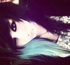 Black and blue scene hair – Short Girl Scene Hair Bangs, Curly Scene Hair, Short Scene Hair, Emo Hair, Pretty Hairstyles, Scene Hairstyles, Updo Hairstyle, Prom Hairstyles, Cute Emo Girls