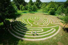 wakhurstlabyrinth01jh.jpg (640×425)