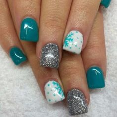 Love the silver glitter and teal