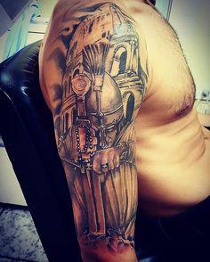#tattoo#tatuaje#arte#mediamanga#guerrero#romano#coliseo#blackandgrey #feliz de hacer lo q me #gusta#tongatattoo #tonga #banfield #tattoos #tattooed #tattoolife #tattooartistic #tattoostudio #tattoodesing #tattooart#customtattoo #ink #buenosaires