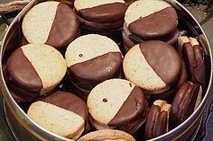 Nougattaler, ein raffiniertes Rezept aus der Kategorie Kekse & Plätzchen. Bewertungen: 371. Durchschnitt: Ø 4,5.