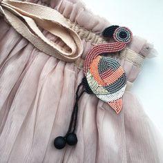 Что-то давно Фламинго не было в ленте! Брошь Фламинго Стоимость 2000р + доставка Размер 6*8 см + ножки 5см. Для заказа пишите в Директ или в WhatsApp 89253467185 #ручнаяработа #брошь #брошьизбисера #аксессуары #украшения #подарок #идеяподарка #фламинго #handmade #beadsfifa #brooch #accessories #jewelry #flamingo #gift #giftideas