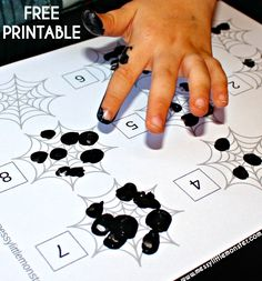 Fingerprint counting FREE PRINTABLE. A simple fingerprint spiders web activity for the early years. This spider learning activity is themed around the book 'The Very Busy Spider'.