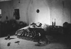 Risultati immagini per willy ronis les nus Willy Ronis, Bed Boards, A Well Traveled Woman, Brassai, Art Corner, Space Place, Shared Rooms, French Photographers, Jolie Photo
