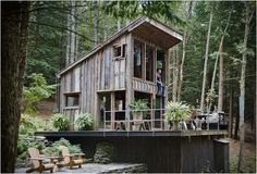 design Home rustic architecture forest new york Interior Design cabin house adventure Woods Wilderness wanderlust tiny house camp vibes woodgrain micro house Tiny Cabin tiny home tiny house on wheels tiny house nation Handmade Home, Handmade Crafts, Oyin Handmade, Handmade Design, Handmade Pottery, Handmade Rugs, Handmade Jewelry, Diy Crafts, Off Grid Cabin