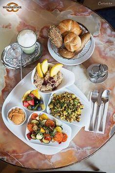 veganes Frühstück in Pörtschach beim Wienerroither  :-)  ... #vegan, #matcha, #breakfast, #frühstück, #maguat  #carlettophotography #essen #food #bakery #bäckerei