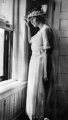 """Hadley Richardson in her wedding dress looking out the window on her wedding day in Horton Bay, MI, 3 September """"Ernest Hemingway Collection/John F. Kennedy Presidential Library and Museum, Boston. Ernest Hemingway, Hemingway Quotes, Photo Album Scrapbooking, Scrapbook Albums, 1920s Wedding, Wedding Day, Pauline Pfeiffer, Hadley Richardson, The Paris Wife"""