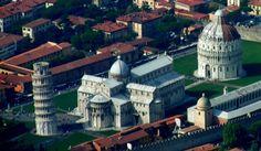 Piazza dei Miracoli di Pisa vista dall'alto