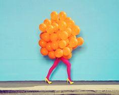Ramona Rosales, Je Ne Suis Pas Seul San Toi (Orange Balloons), 2013