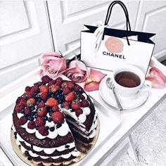 WEBSTA @ annelinsta - Sundayys 👅 Been too many cheatdays this week tho 🙈🙄🍪💕 It's not easy to be 100�0perfect right away, or at all even when you're trying to keep a healthy lifestyle. And That's Ok! That's only human. Buut today I decided it's the last day before I kickstart my workout/diet program with @youcanshape again tomorrow. Gonna stay away from sweets all week so I can see results faster. 40�0rabattkode på programmet jeg går på finner dere forresten på en tidligere post! 💪🏽…
