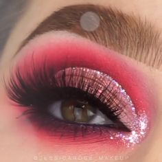 162 bewildering christmas makeup looks – page 7 Glam Makeup, Makeup Inspo, Eyeshadow Makeup, Makeup Art, Makeup Inspiration, Beauty Makeup, Eyeliner, Face Makeup, Eyeshadows