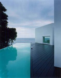 cool pool: edge pool: clean serene modern lines: Rooms, Ando Corporation (Wakayama, Japón)