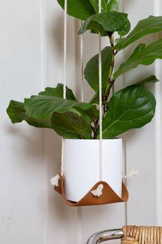Double Leather Plant Hammock - Nicotine