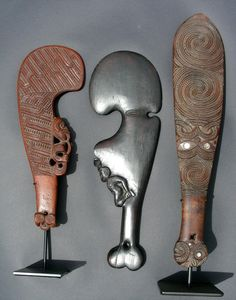 Maori Wood Club Polynesian Art, Polynesian Culture, Maori Patterns, Maori People, Maori Designs, New Zealand Art, Maori Art, Kiwiana, Art Carved