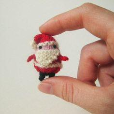 Teeny-tiny bundles of jolliness!  Make it out of fingering/sock yarn or doubleknit weight--sooooo cute!