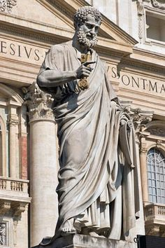 St. Peter's Basilica Pictures - Vatican City: Picture of St. Peter holding the key to heaven statue in St. Peter's square