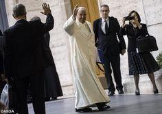 Pape François - Pope Francis - Papa Francesco - Papa Francisco- Samedi 24 octobre 2015 :Conclusion du Synode des Evêques sur la Famille…  Discours de clôture du Pape : « Lire la réalité avec les yeux de Dieu »
