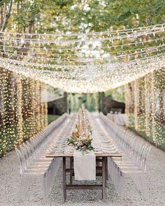 Wedding Chicks® (@weddingchicks) • Instagram photos and videos #weddinglights #weddingreception #weddingideas Star Wedding, Wedding Table, Floral Wedding, Wedding Bride, Ghost Chair Wedding, Bouquet Wedding, Wedding Colors, Lace Wedding, Dream Wedding