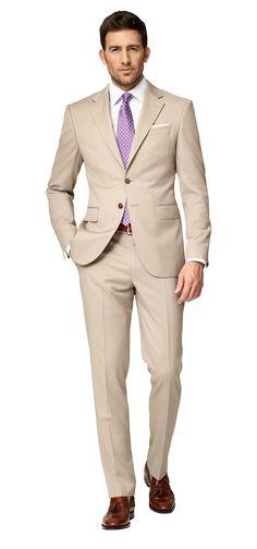 Para la primavera   el traje, la corbata morada, la  camisa  blanca       Cuestan $174 / 163,56€    Clavado por: Papi el Chapo Morris