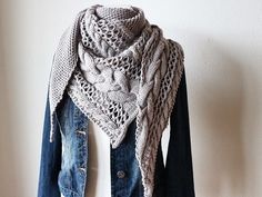 Tuch stricken // Zopfmuster + Lochmuster Marie Theres Marie Theres Strickanleitung Tuch Lace Knitting Patterns, Knitting Designs, Scarf Patterns, Easy Knitting, Knitting Socks, Cosy Winter, Knitted Shawls, Vogue, Clothes