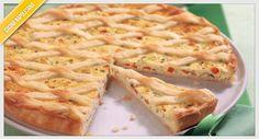 La ricetta della pastiera salata, una versione alternativa del tipico dolce di Pasqua, con formaggio, salumi ed altre golosità rustiche.