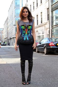 graphic print top with peep toe boots