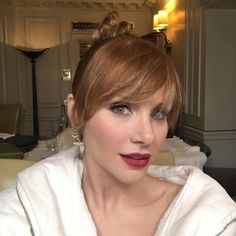 """23.1k Likes, 327 Comments - Bryce Dallas Howard (@brycedhoward) on Instagram: """"This amazing, #nofilter, non-retouched selfie was taken with @themakeuplight Now how do I get…"""""""