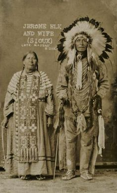 Jerome Elk and wife, Sioux Native American Clothing, Native American Pictures, Native American Artwork, Native American Regalia, Native American Beauty, Native American History, Native Indian, First Nations, Cherokee